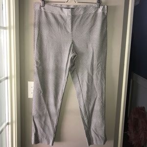 Amanda & Chelsea Black and White Capri Dress Pants